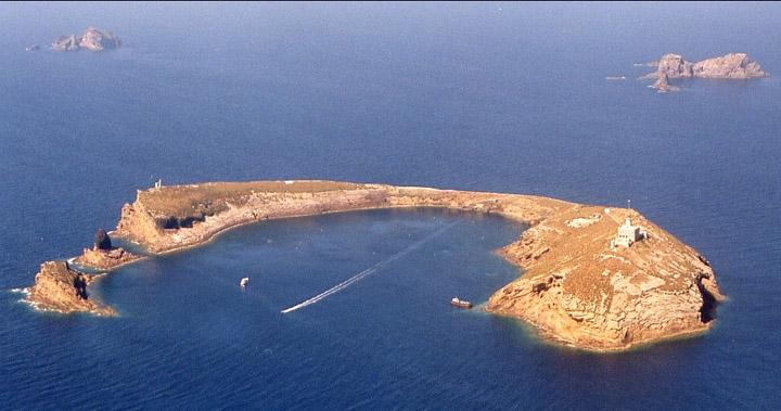 http://www.navymar.com/Faros/LillaGeneral.jpg